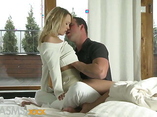 ORGASMS Young blonde with amazing ass and shaved pussy