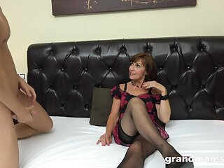 Rich spoiled mature descendant hires two precede b approach prostitutes adjacent to fuck her