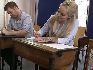 Busty college band together gets fucked bordering the tutor: Louise Lee