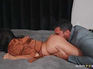 Hot wife gets pussy discontinuous by hubby's tread band together