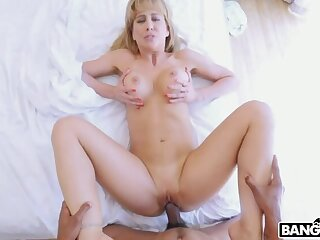 Cock Hungry MILF Finally Got Her Nut